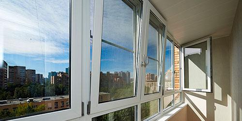 Мытье остекления балкона